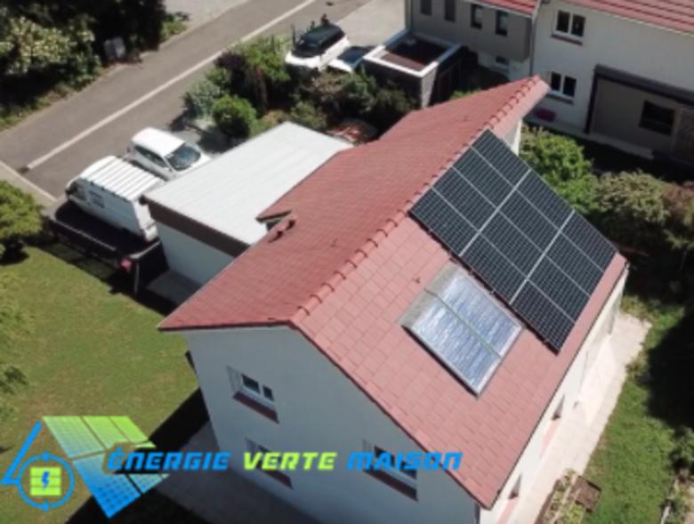 Panneaux solaires et batterie de stockage